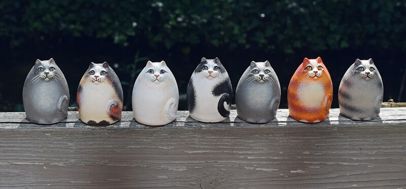 small ceramic cats